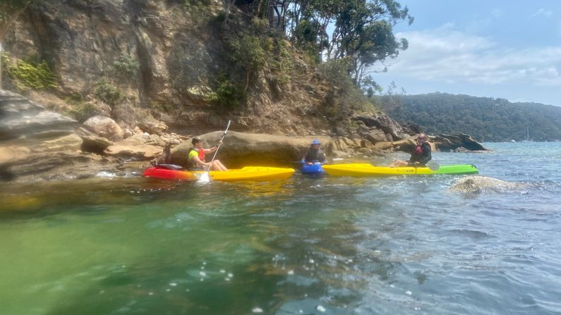 Paddlers resting at Wet Head